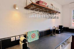 Maison Prisca - Küche mit Nespresso und Filterkaffeemaschine